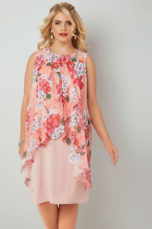 Blommig klänning med diamantdetalj