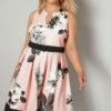 Rosa skaterklänning med blomtryck