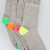 4-pack extra breda strumpor med färgad häl